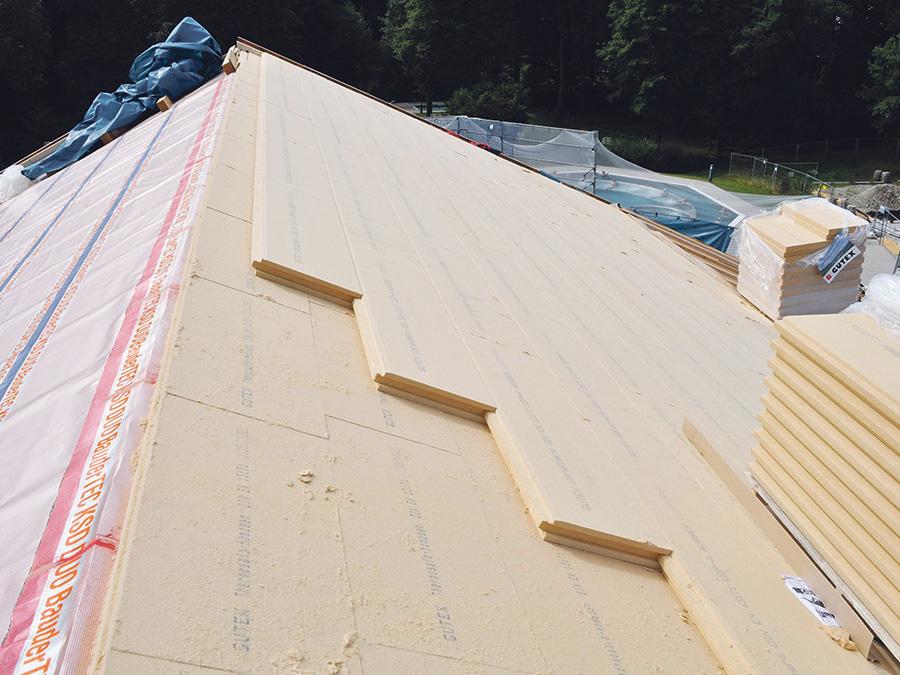 brauche ich ein neues dach chechliste zur dachsanierung. Black Bedroom Furniture Sets. Home Design Ideas